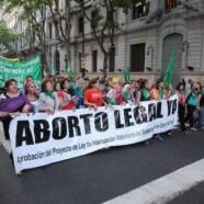 UNA MULTITUD A FAVOR DEL ABORTO