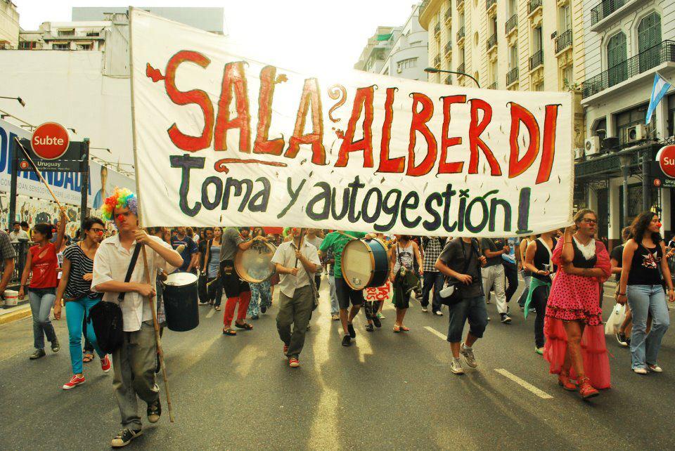 SALA ALBERDI: PROCESAN A 3 POLICIAS