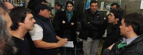 TRABAJADORES OCUPAN UNA GRÁFICA DE BARRACAS