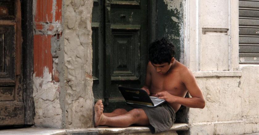 ACCESO A INTERNET PARA MÁS DE 4.400 BARRIOS POPULARES DE ARGENTINA