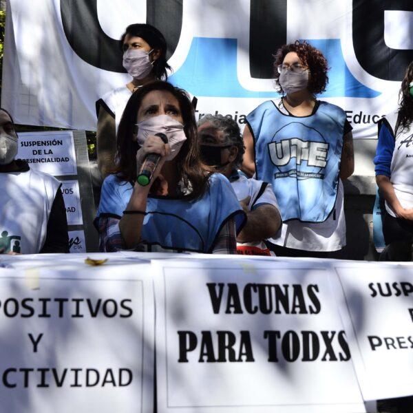 GREMIOS DOCENTES RECHAZAN EL REGRESO A LAS CLASES PRESENCIALES EN LA CABA